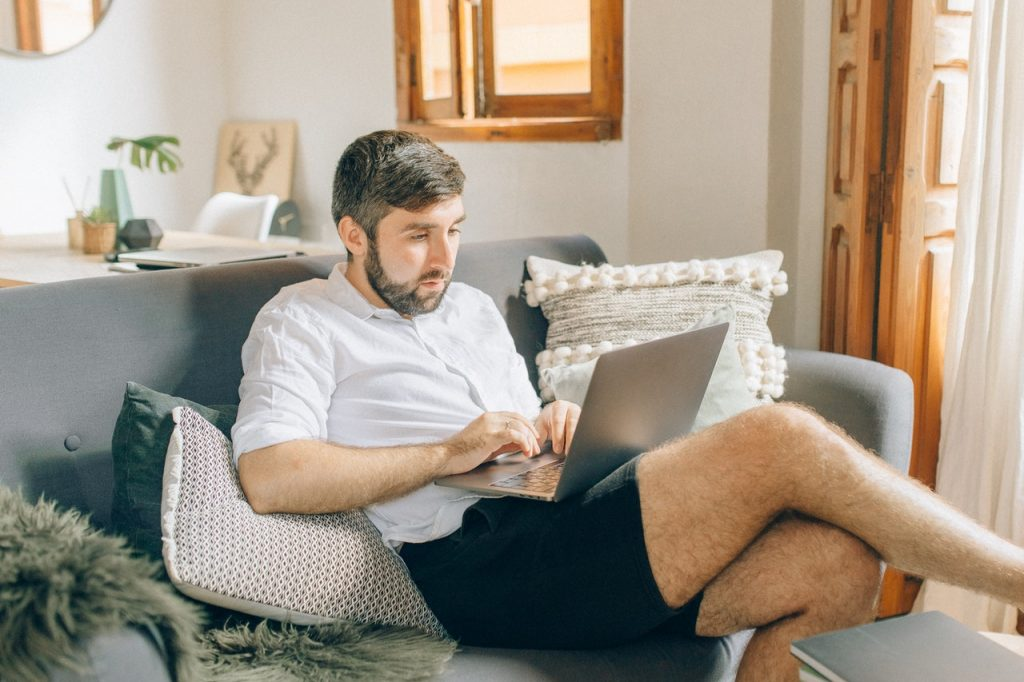 How Time Tracking Software Improves Work From Home Productivity