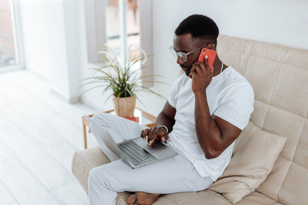 How Time and Expense Tracking Software Benefits Remote Workers